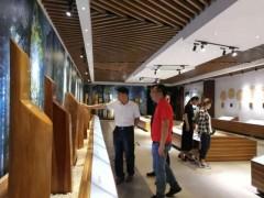 中国林产工业协会木工胶黏剂和涂料专业委员会一行赴山东临沂考察交流
